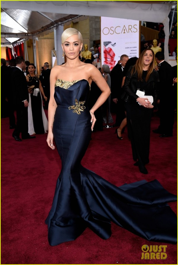 rita-ora-oscars-2015-red-carpet-debut-05