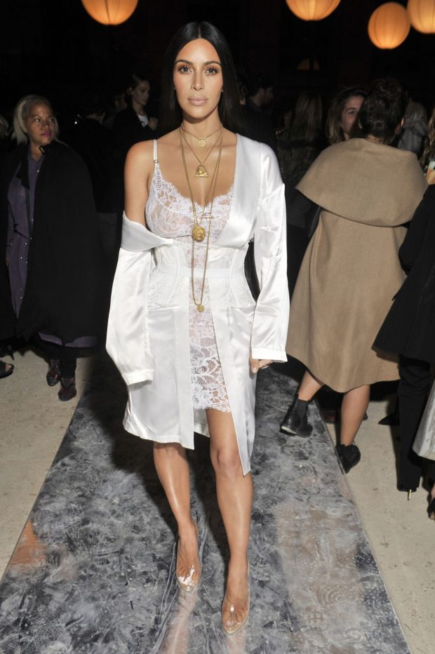 slip-dress-kim-kardashian-giuli-castro