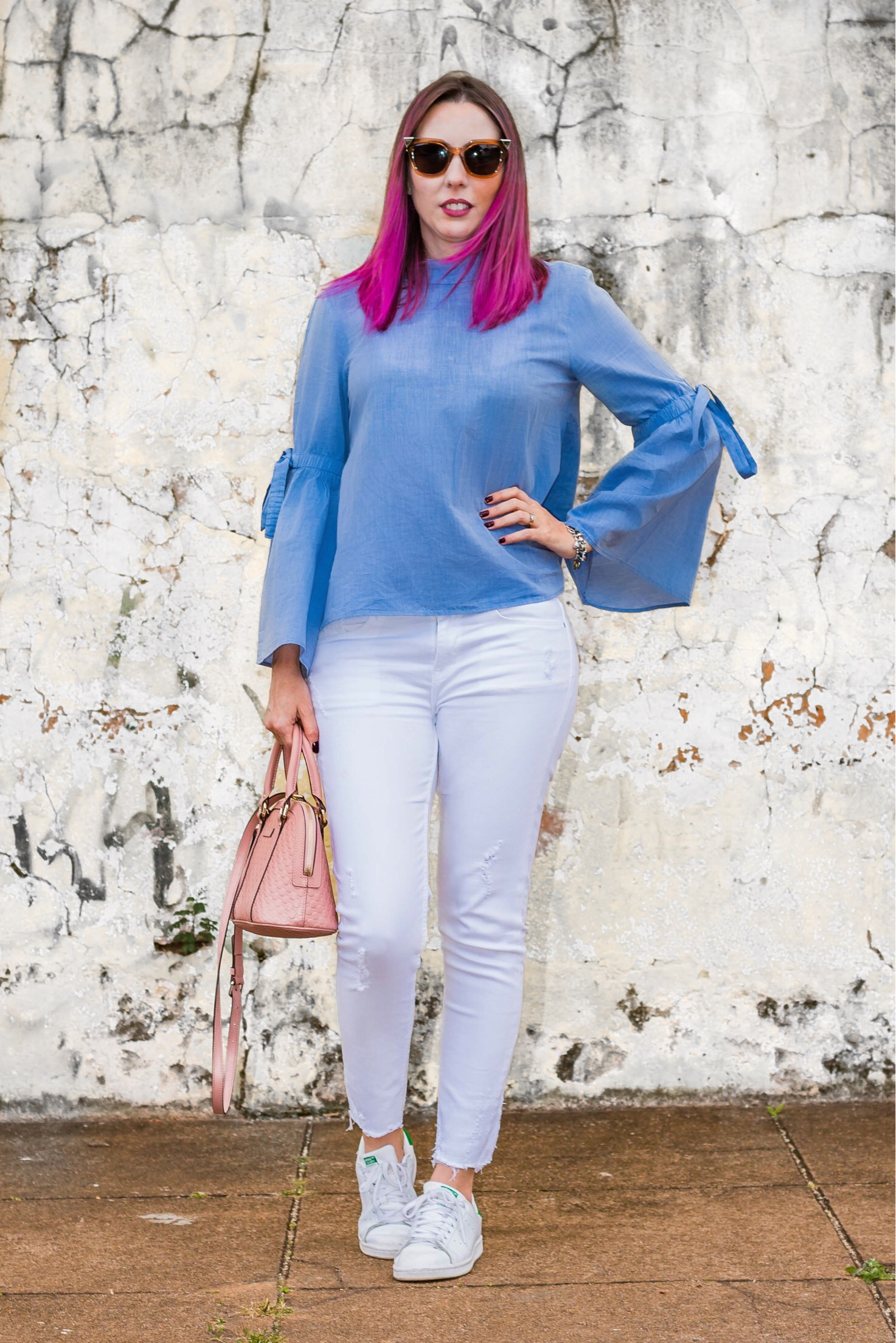 look-do-dia-blusa-azul-mangas-amplas-giuli-castro