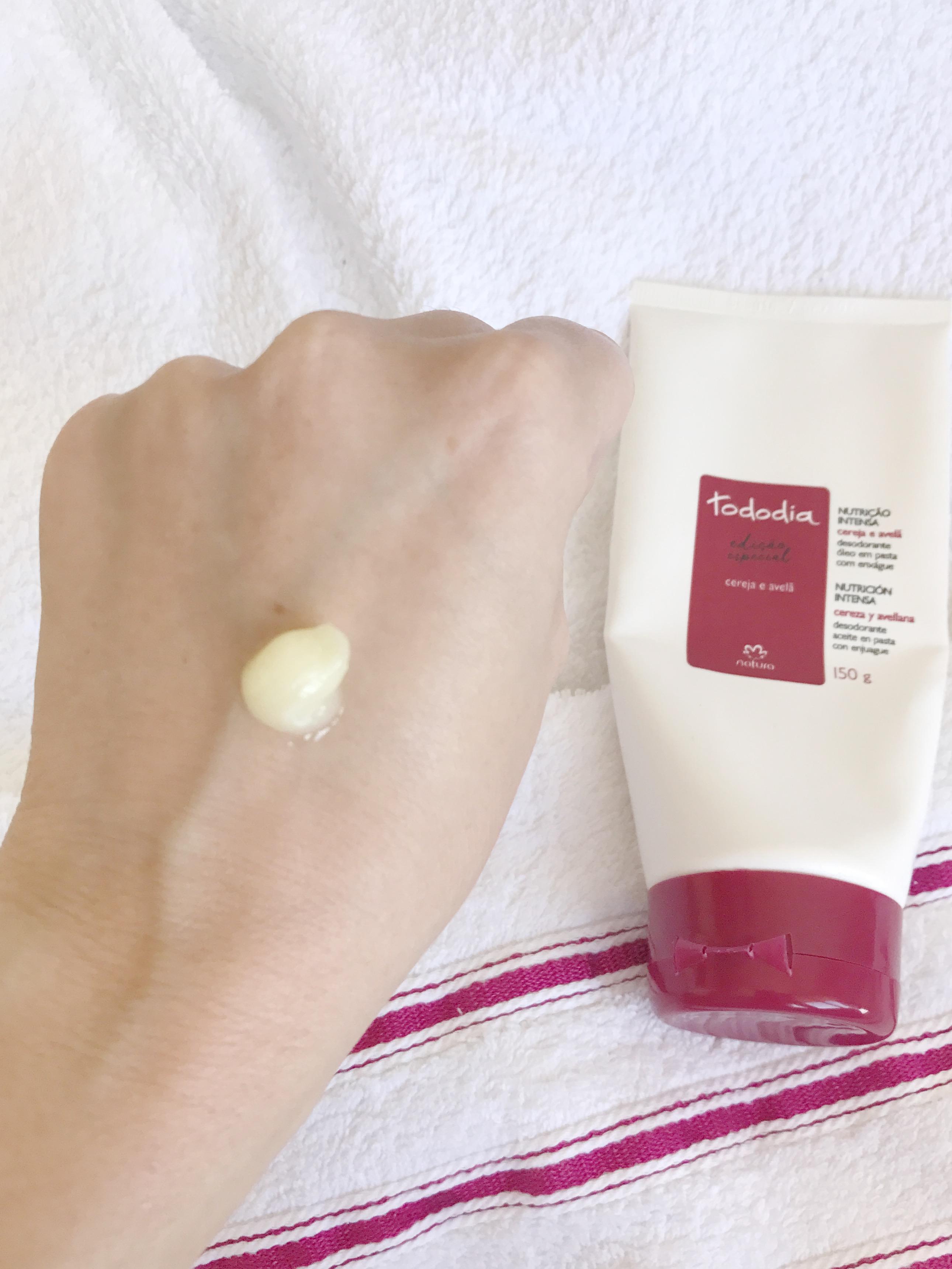 resenha-sabonete-liquido-hidratante-banho-cereja-avela-natura-giuli-castro