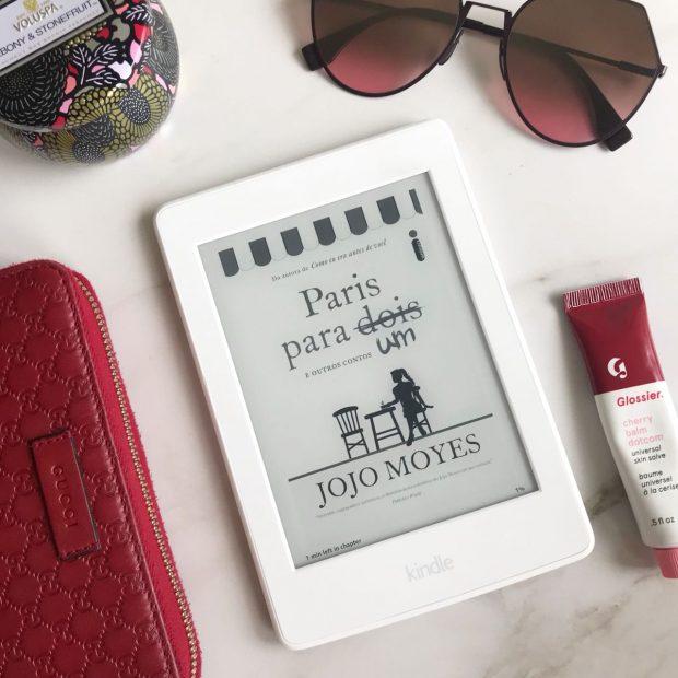Livro Paris para um e outros contos da autora Jojo Moyes por Giuli Castro