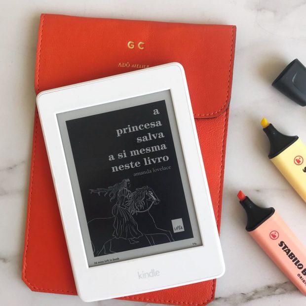 Livro A princesa salva a si mesma neste livro de Amanda Lovelace