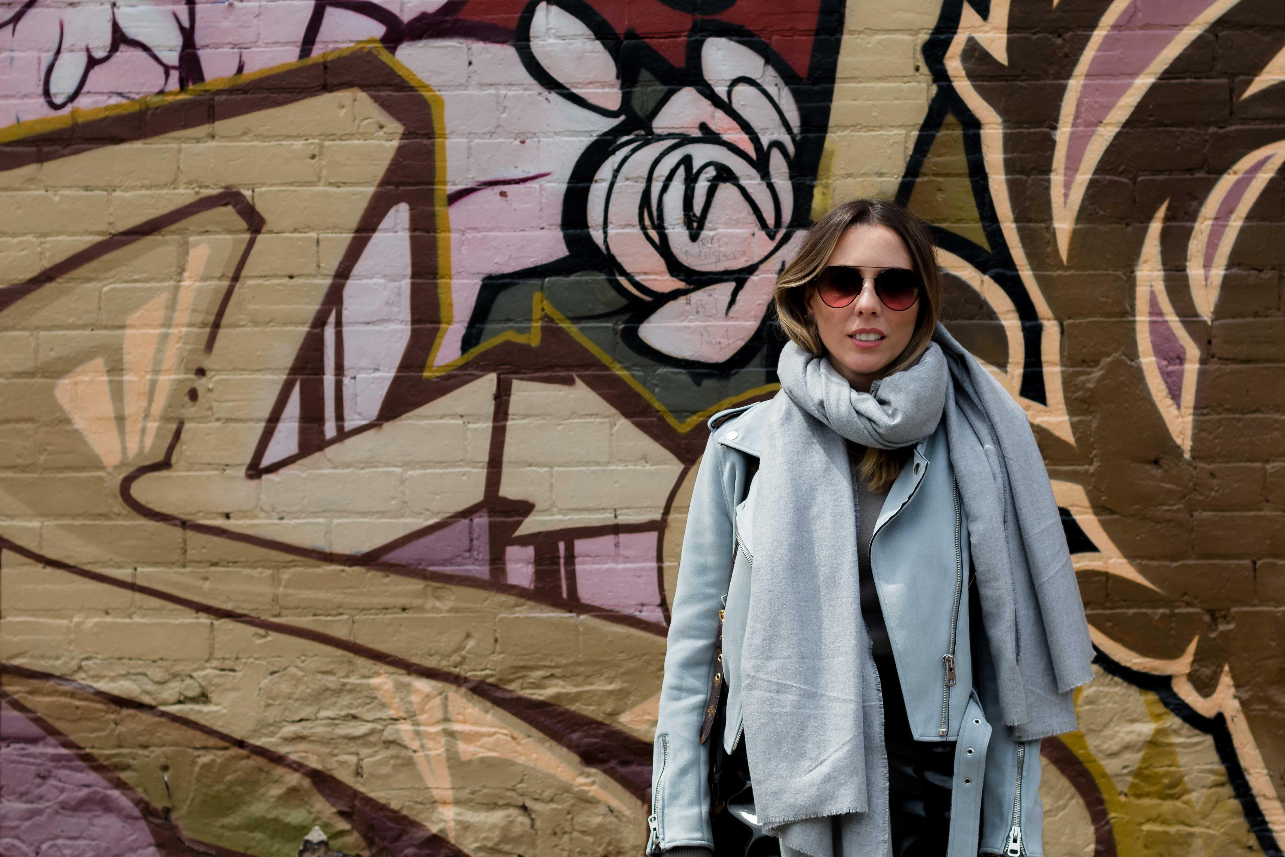 Look Giuli Castro em Toronto